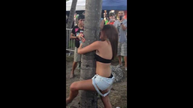 Drunk Girl Doesn't Want To Stop Making Out With The Tree