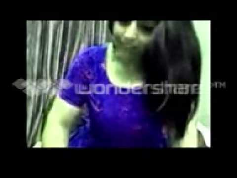 desi south youing hot girl romance cleavage