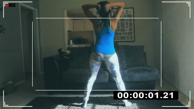 LEAKED FOOTAGE! Michelle Ray – Ass Shaking Home Video