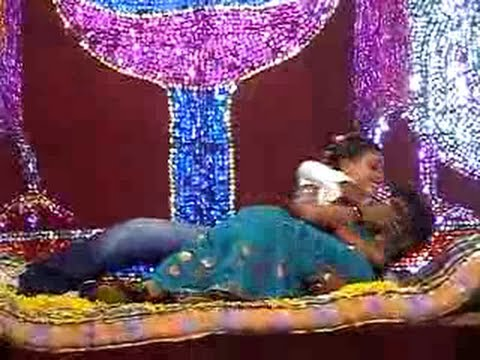 HOT TELUGU COLLEGE GIRL DANCE
