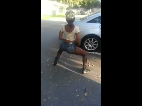 BEST Black Girl Twerking EVER !!!