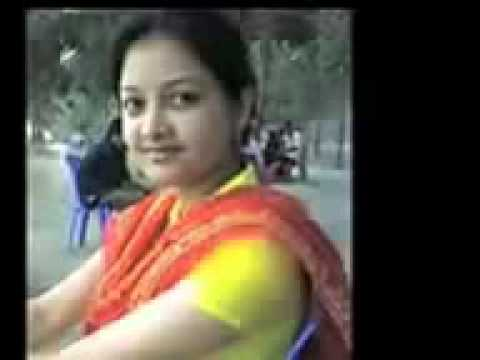 Bangladesi college girl hot talking on the mobile Recording Video Clips