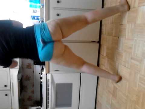 "Twerking to ""Do My Dance"" by Tyga"