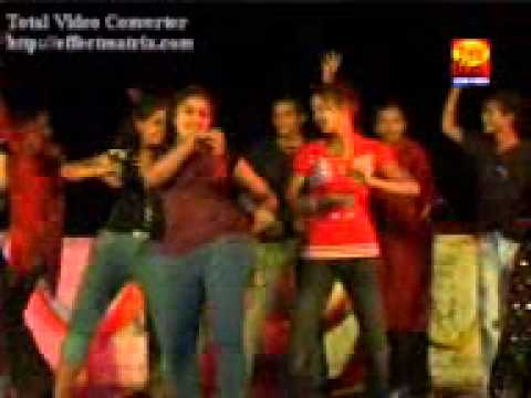 Hot & Sexy Young Girls Dancing On Stage – Annual Function Day (2013) Hold In P.G. College Delhi