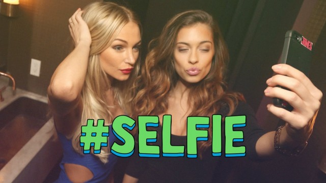 #SELFIE (Official Music Video) – The Chainsmokers