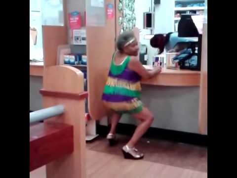 Grandma Twerking At The Doctors Office – LMAO