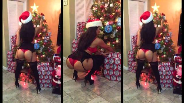 Vida Guerra Christmas Twerking
